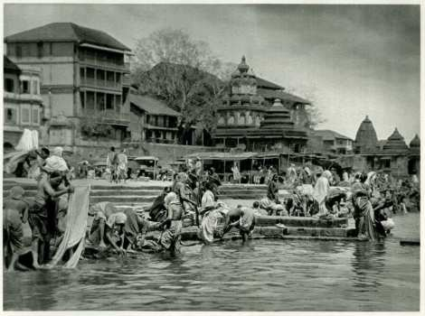 Pilgrims at Bathing Place on the Sacred Godavari (Godaveri) River, Nashik, Maharashtra - India 1928