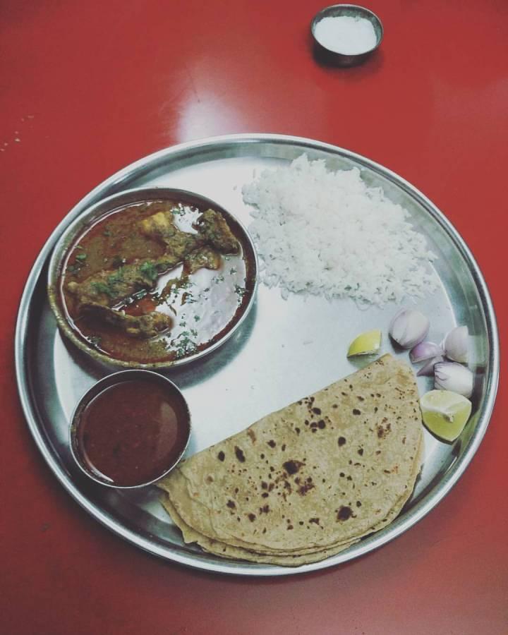 Chicken Thali Hotel Jayesh Nashik
