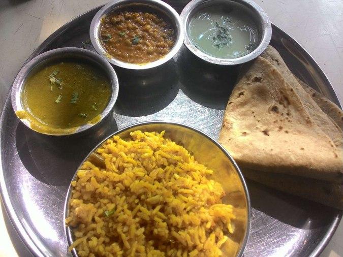 Modern Cafe Nashik Thali
