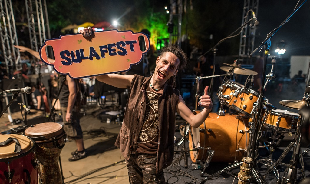 Artist Ludovic pellissier from Hilight Tribe @ SulaFest'17
