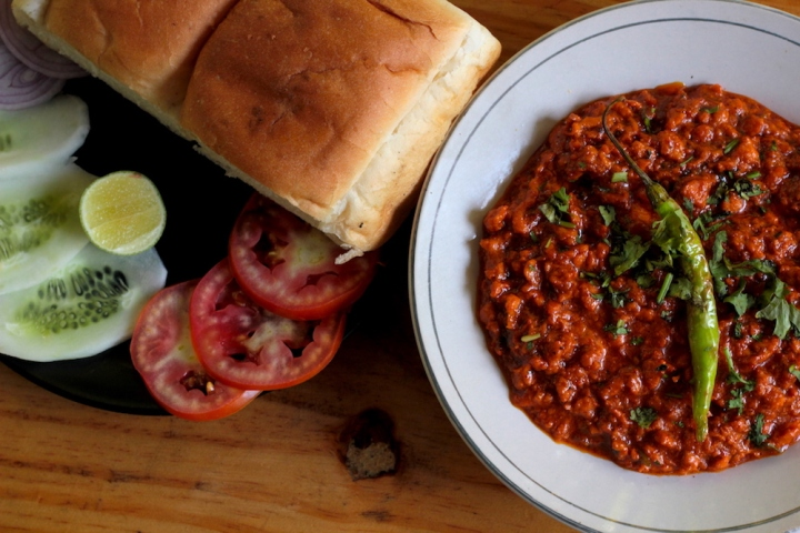Chicken Kheema Pav at Coffee Junction Nashik